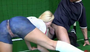 Golden-haired Kassey Krystal is on fire prevalent toute seule action
