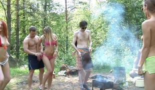 Dominika & Eva Berder & Jenny & Penny & Rita-Moor & Sabrina in free outdoor porn with lots of slutty honeys