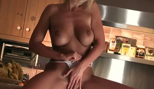Tommie Jo with massive boobs together with calvous thwack exposes her assets