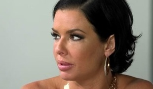 Veronica Avluv & Cali Sparks in Back action - MomsLickTeens