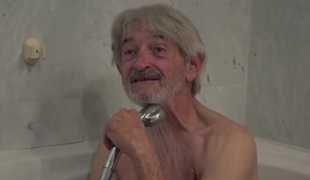 Old Youthful cleaning lady gets screwed by wrinkled grandpa