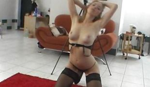 Dabbler 19yo chick gives a stripshow in the lead CASTING