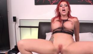 Savannah Styles shows great level of sex skills with mighty fucker