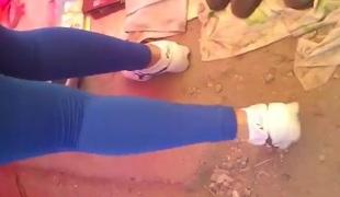 En el tianguis: Caderona en mallon azul