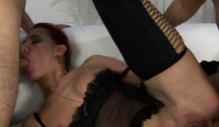 Hottie is creating tremors newcomer disabuse of her soaked fellatio
